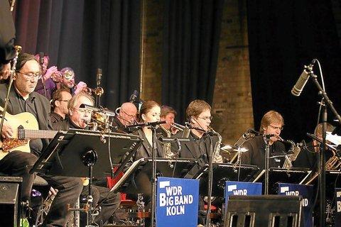 2010 – WDR-Bigband im Ballenlager